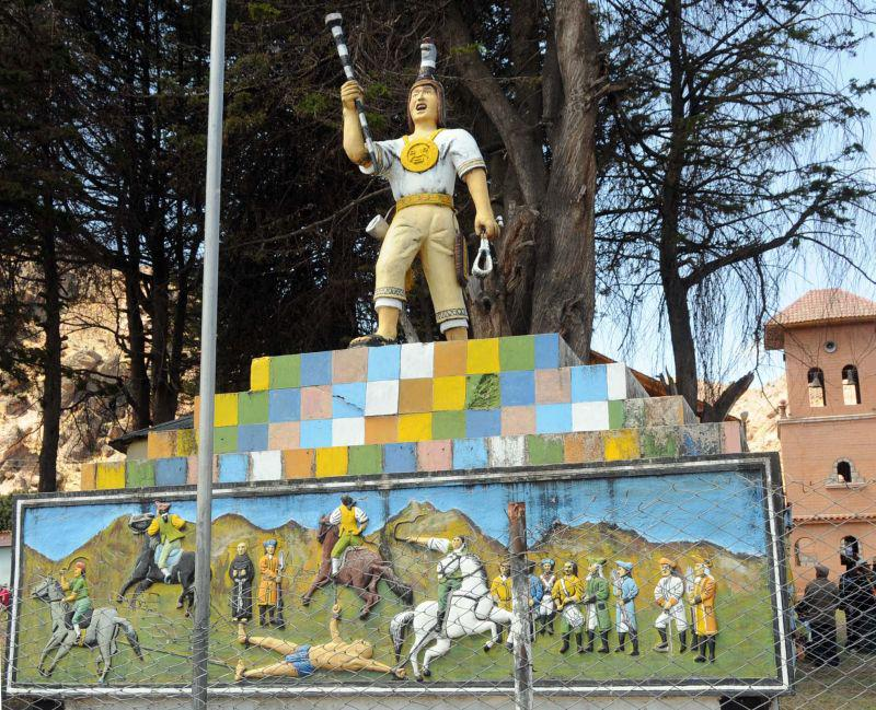 Statue Túpac Kataris