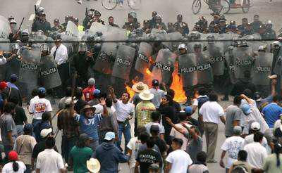 Zusammenstoß von Atenco-Aktvisten mit Polizei