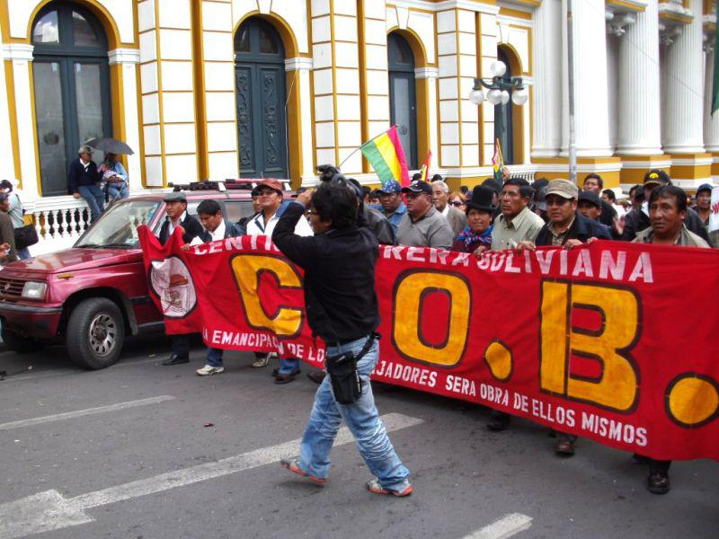 """Der Dachverband der bolivianischen Gewerkschaften beteiligt sich: """"Die Emanzipation der Arbeiter wird ihr eigenes Werk sein"""""""
