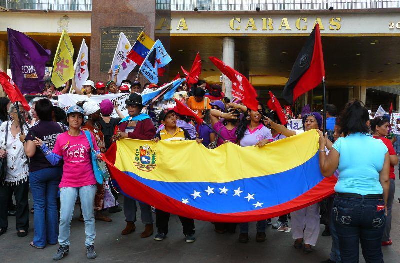 Abschlusskundgebung auf dem Plaza Caracas