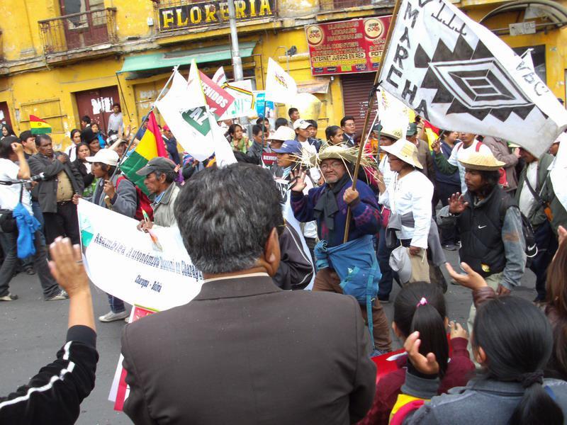 Die Spitze des Protestmarsches der Indigenen