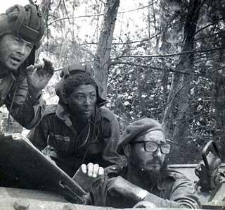 Fidel Castro während der Abwehrkämpfe