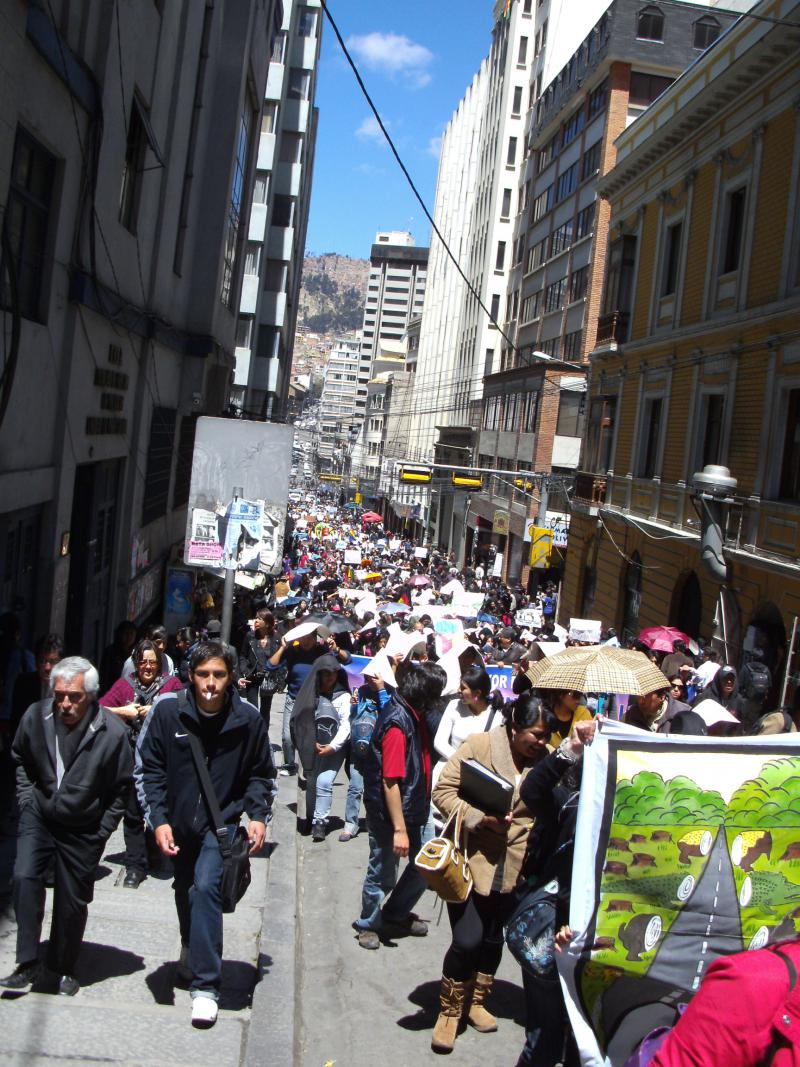 Demozug am Montag, 26.9.2011 durch La Paz