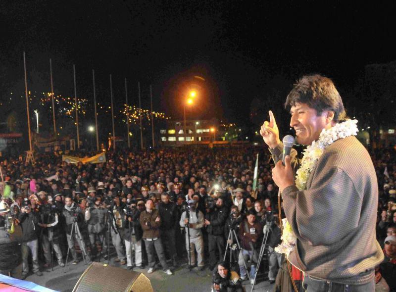 """Präsident Evo Morales: """"Die sozialen Bewegungen werden keinen Putsch zulassen, in Bolivien wird es keine Polizeidiktatur geben"""""""