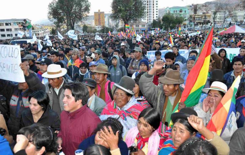 Auf dem Plaza Villaroel von La Paz versammelten sich zehntausende Menschen