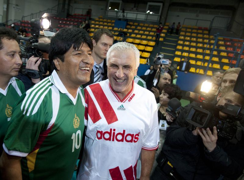 Evo Morales und Österreichs Fußball-Idol Hans Krankl