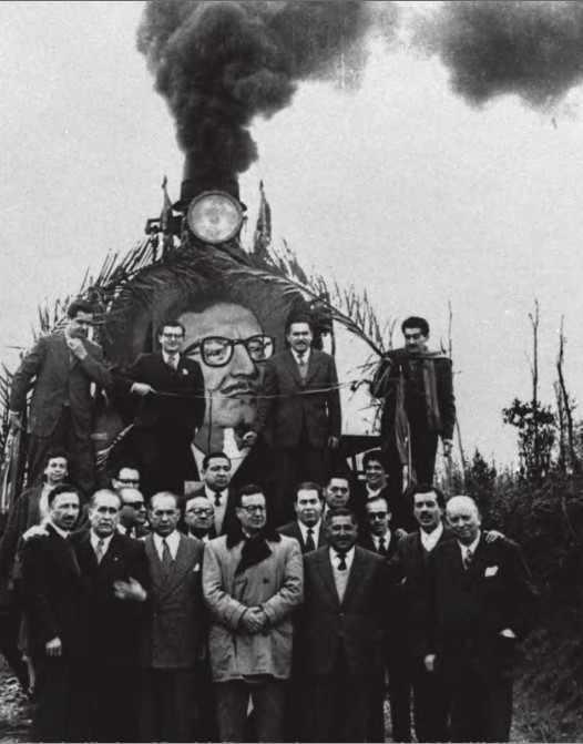 """Salvador Allende vor dem """"Siegeszug"""" während der Kampagne 1958 zur Präsidentschaftswahl"""