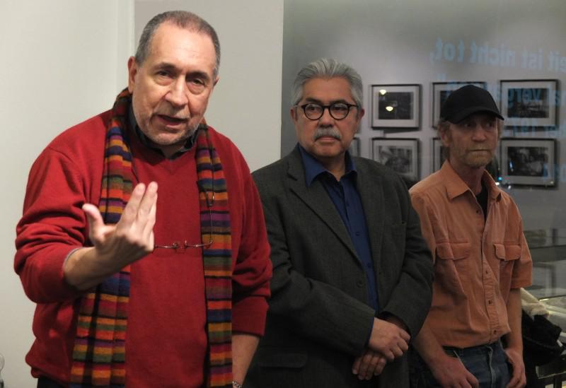 von links nach rechts: Die Fotografen José Giribás, Santiago Oyarzo Pérez und Oscar Navarro