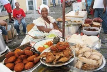 Die Baianas verkaufen traditionelle Speisen mit afrikanischen Einflüssen