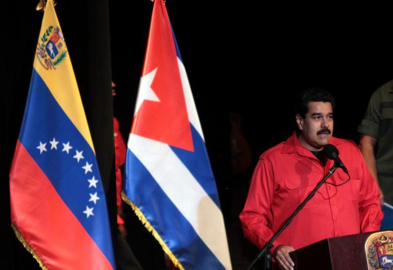 Präsident Madudo bei der Veranstaltung zum 55. Jahrestag des Sieges der kubanischen Revolution im Teatro Municipal in Caracas