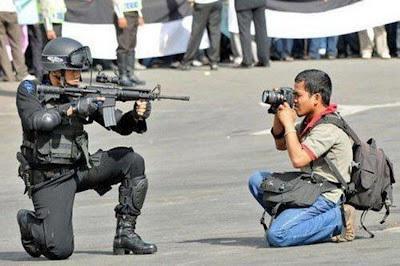Dieses Bild wurde von CNN-Journalisten verbreitet. Sie mussten sich danach entschuldigen, weil es nicht in Venezuela, sondern in Singapur aufgenommen wurde