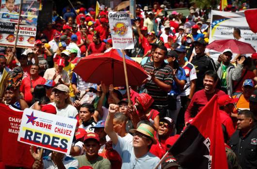 """Zehntausende Arbeiter und Bauern beteiligten sich am 1. Mai in Venezuelas Hauptstadt Caracas an einer """"antiimperialistischen Demonstration zur Verteidigung der Bolivarischen Revolution"""""""