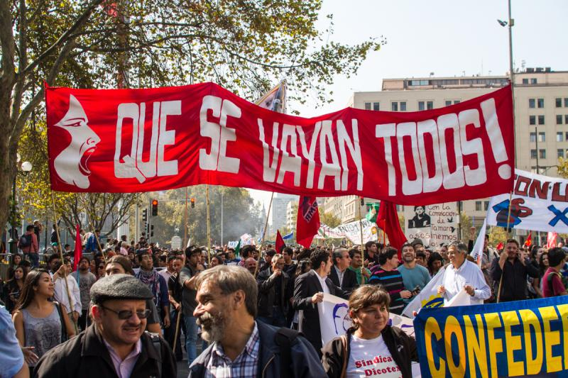 """Sie sollen alle abhauen"" fordern Demonstranten in Chile"