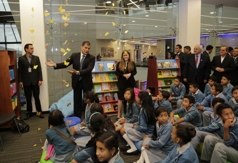 Präsident Correa mit Unasur-Vertretern bei der Einweihung der Bibliothek Gabriel García Márquez