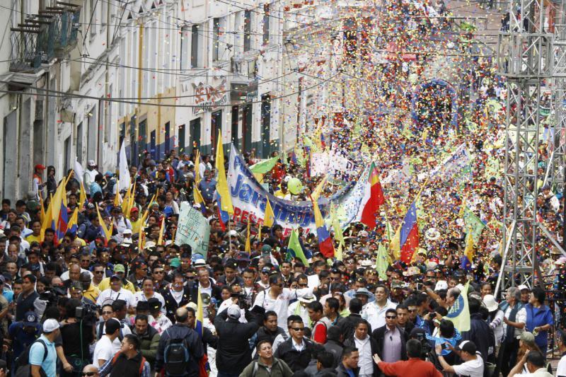 Ecuadors Präsident Rafael Correa beteiligte sich an dem Marsch in Quito