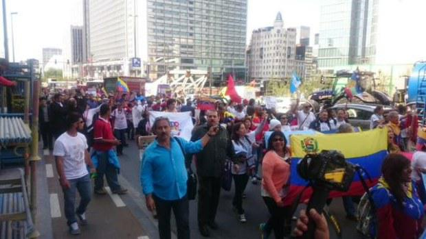 Demonstranten des Gipfels der Völker zeigten Solidarität mit Venezuela