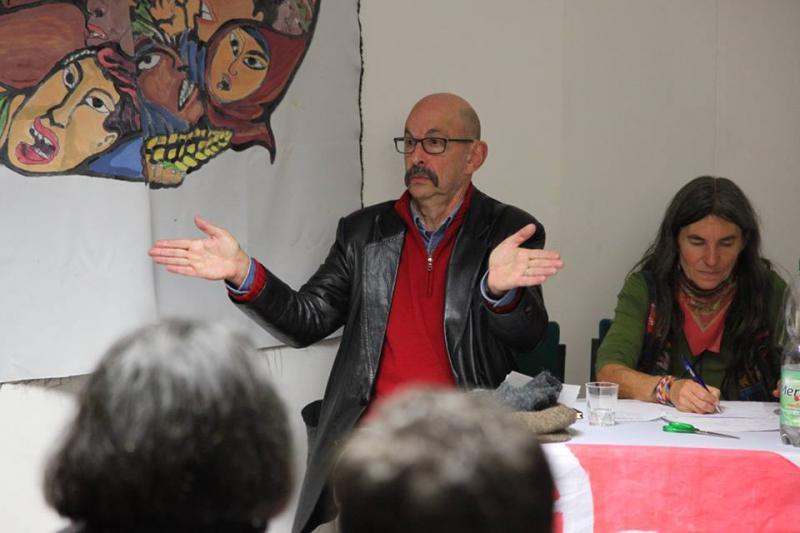 """Die erste Veranstaltung: """"Den kolumbianischen Friedensprozess unterstützen"""". Referent war der in Deutschland lebende Kolumbianer Dr. Alberto Pinzón"""
