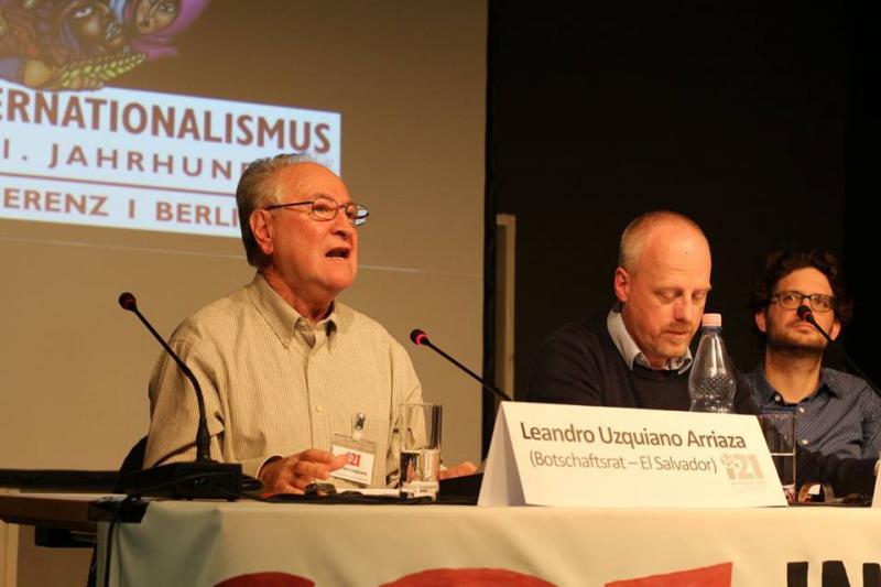 Erstes Podium zum Thema Internationalismus in Geschichte und Gegenwart mit Leandro Uzquiano Arriaza, Ingo Niebel (Journalist) und David Mayer (Historiker)
