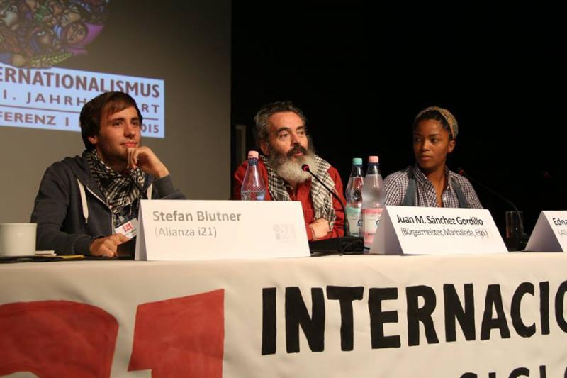 Zum Abschluss sprachen Stefan Blutner, Sánchez Gordillo aus Andalusien (Bürgermeister von Marinaleda) und Edna Martínez über praktischen Internationalismus und zogen ein Resümee der Konferenz und der Veranstaltungswoche