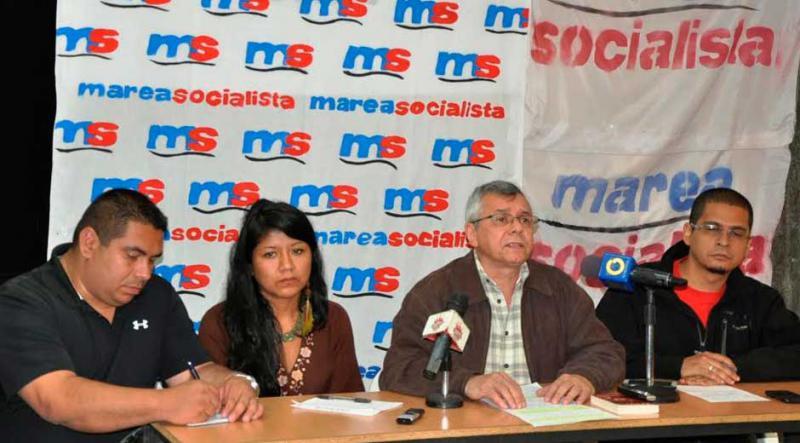 Mitglieder von Marea Socialista bei einer Pressekonferenz im vergangenen Jahr. Auf der rechten Seite Gonzalo Gómez und Nicmer Evans (außen)