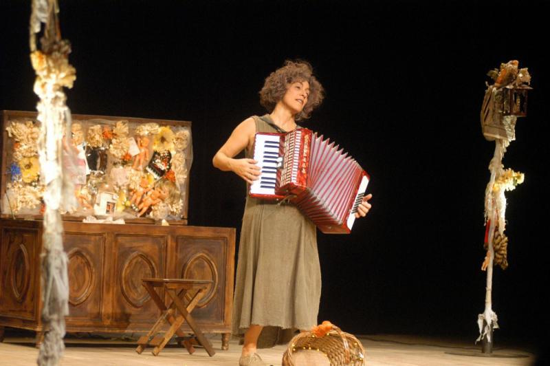 """Die Theatergrupppe Andante aus Brasilien zeigte das Stück """"Olympia"""" im Theater San Martín, ..."""