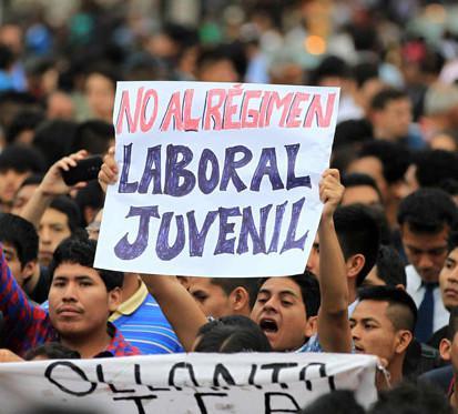 Demonstrationen gegen das neue Arbeitsgesetz für Jugendliche