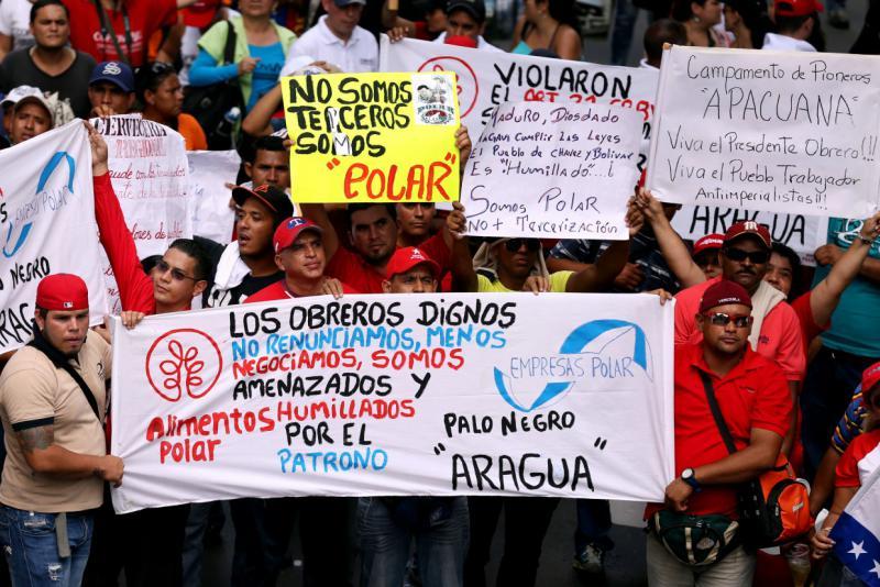 """Protest von Leiharbeitern beim größten Lebensmittelkonzern in Venezuela, Polar: """"Wir werden vom Arbeitgeber bedroht und gedemütigt"""""""