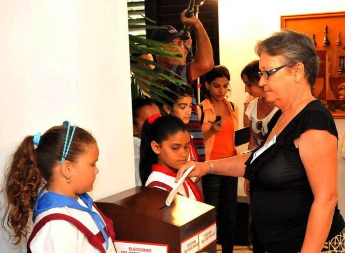 Bei der Stimmabgabe im Wahllokal