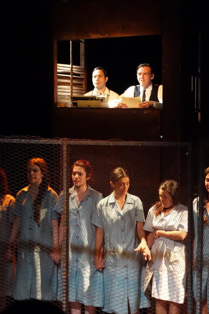 Es basiert auf einem realen Ereignis: der Hinrichtung von 13 jungen Frauen, die zur Vereinten Sozialistischen Jugend gehörten, durch das Franco-Regime am 5. August 1939 in Madrid