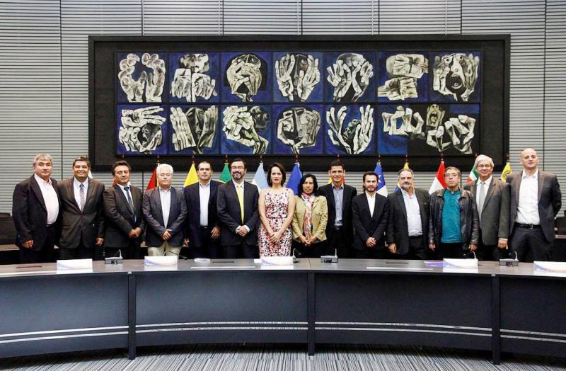 Vertreter der in der ULAN zusammengeschlossenen Nachrichtenagenturen bei der Jahrestagung in Quito