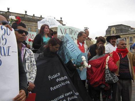 Gedenken an die Opfer der Massaker von Mapiripán in Bogotá.