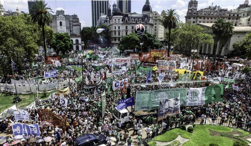 Abschlusskundgebung auf dem Plaza de Mayo