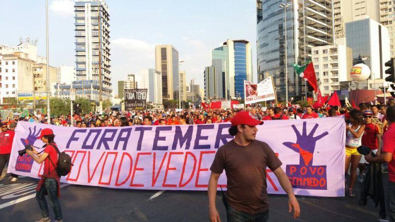 Allein in São Paulo demonstrierten 60.000 Menschen für den Verbleib von Dilma Rousseff im Amt und gegen die neoliberale Politik der de-facto-Regierung unter Michel Temer.