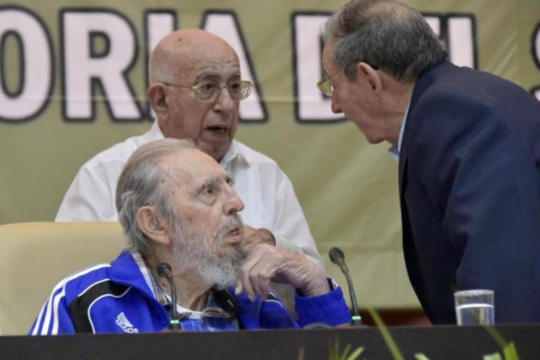Fidel und Raúl Castro und José Ramón Machado Ventura - drei Vertreter der historischen Generation der Revolution in Kuba