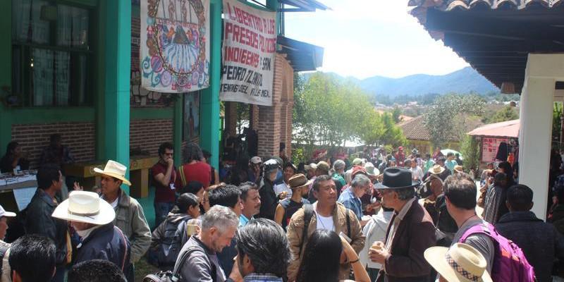 Auch 80 geladene Gäste und über 400 Sympathisanten aus Mexiko und anderen Ländern kamen