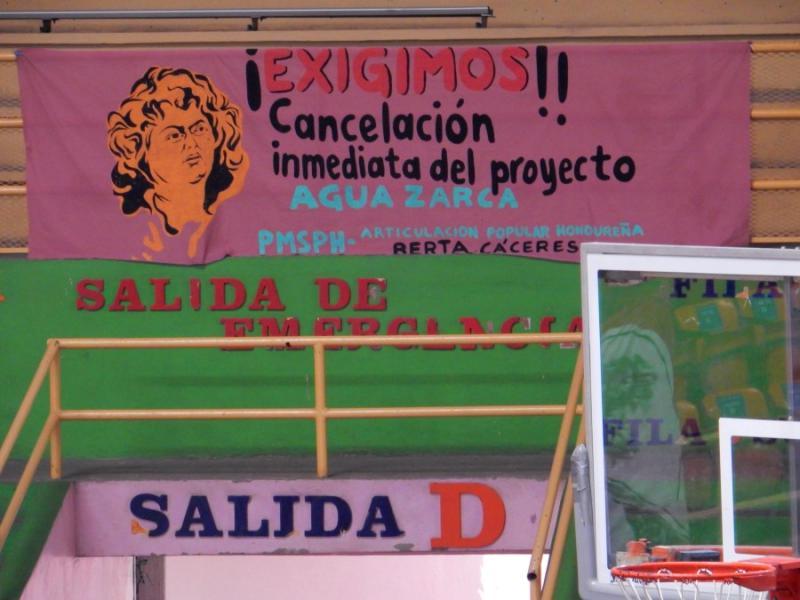 """""""Wir fordern die sofortige Annulierung des Projektes Agua Zarca!"""""""