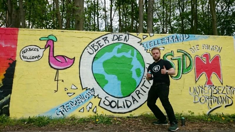 "Wandbild der Dortmunder ""Falken"" für internationale Solidarität"