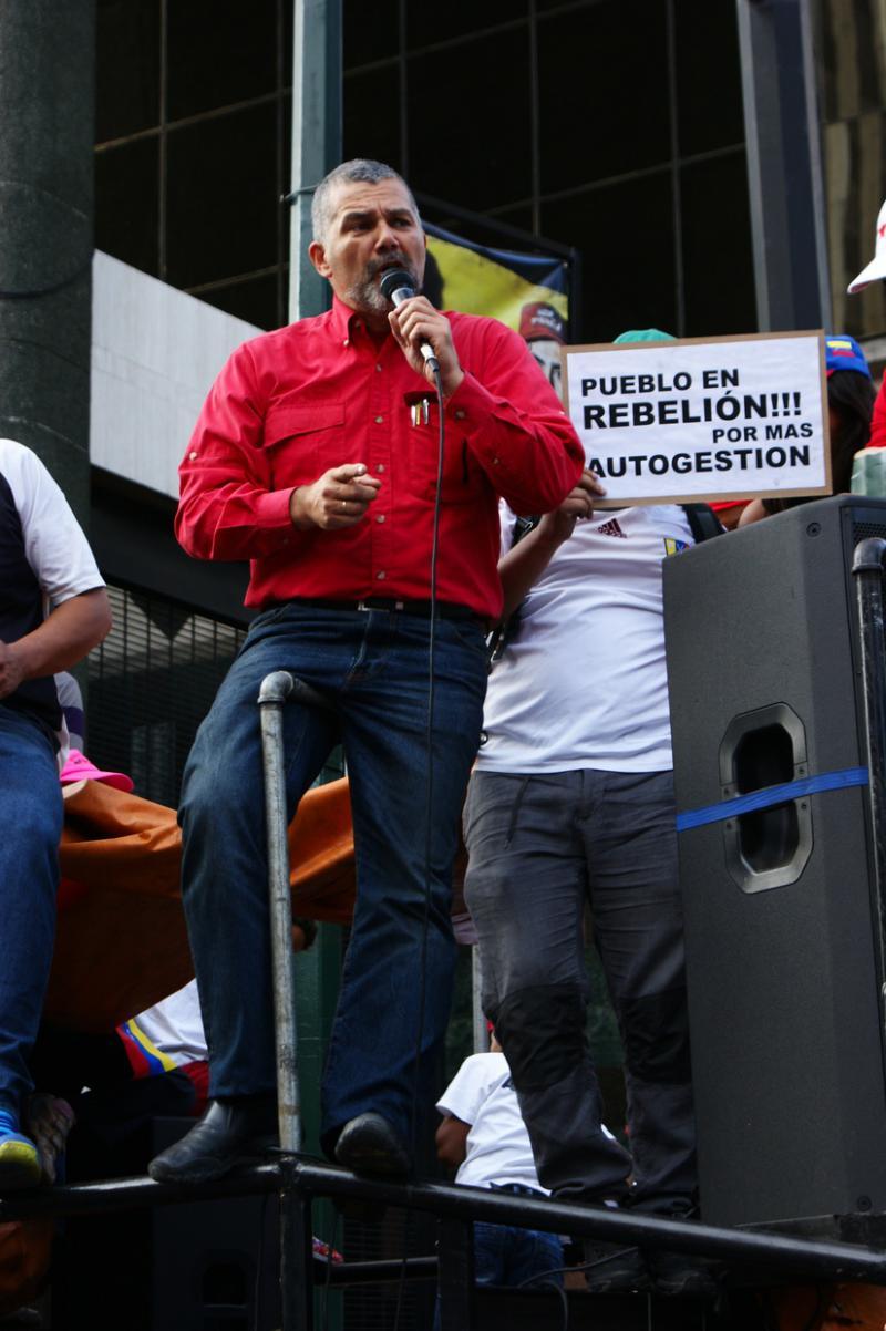 Ricardo Molina, ehemaliger Wohnungsbauminister, jetzt sozialistischer Abgeordneter im Parlament, spach ebenfalls bei der Demonstration