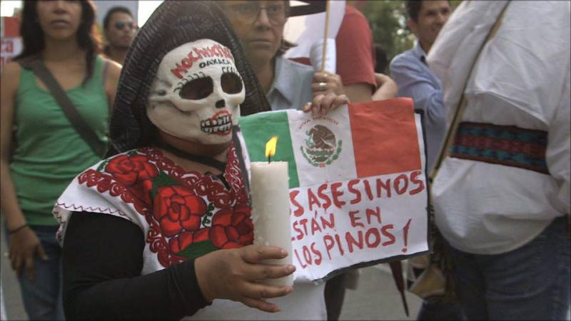 """""""Die Mörder sind in Los Pinos"""", gemeint ist der Präsidentenpalast"""