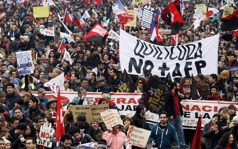 Am 24. Juli demonstrierten nach Angaben der Organisatoren 750.000 Chilenen in 40 Städten gegen die privaten Rentenfonds