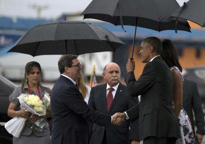 Kubas Außenminister Bruno Rodríguez Parrilla begrüßte US-Präsident Barack Obama auf dem Flughafen