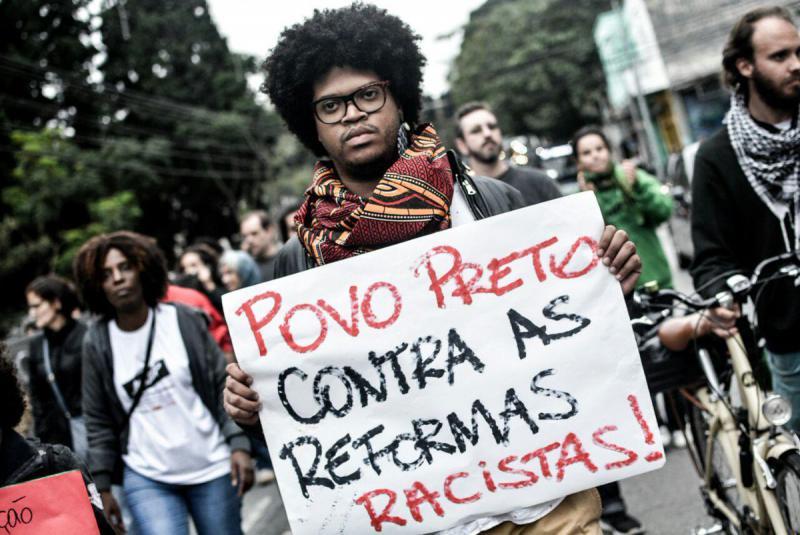 Afro-Brasilianer gegen rassistische Reformen