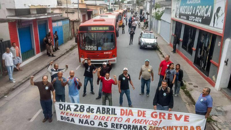 Streikende Busfaher in Betim
