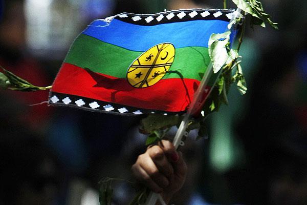 In dem ehemaligen Land der Mapuche, das einen südlichen Teil des heutigen Chiles umfasst, brodelt ein Jahrhunderte alter Konflikt