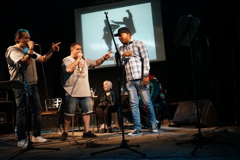 Esther Bejarano und die Rap-Band Microphone Mafia in Santa Clara