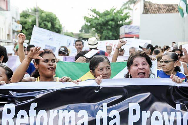 Frauen in Bodocó protestieren gegen die Rentenreform