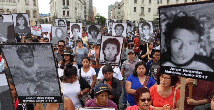 In Peru hatte die Begnadigung Fujimoris im Dezember 2017 massive Proteste ausgelöst. Nach dem Widerruf versuchen seine Anhänger nun, ihn per Gesetz vor dem Gefängnis zu bewahren