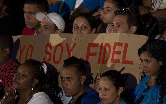 """Eine einfache Losung dominierte das Gedenken: """"Ich bin Fidel"""""""