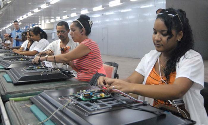 Durch die Reform sollen die Staatsbetriebe in Kuba effizienter wirtschaften