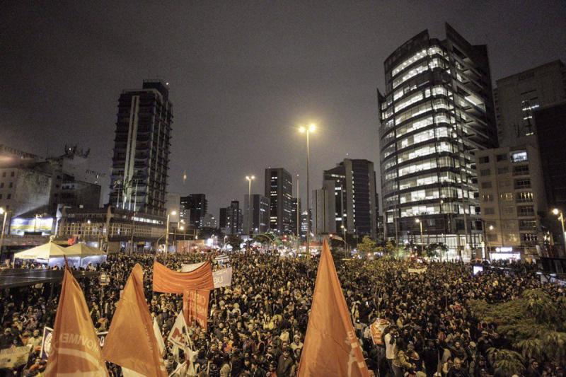 Tausende wollten zum Privathaus von De-facto Präsident Temer in Alto de Pinheiros ziehen